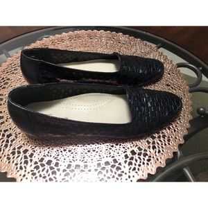COPY - Trotters Size 9SS Black Woven Leather Flats